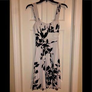 Young women's dress